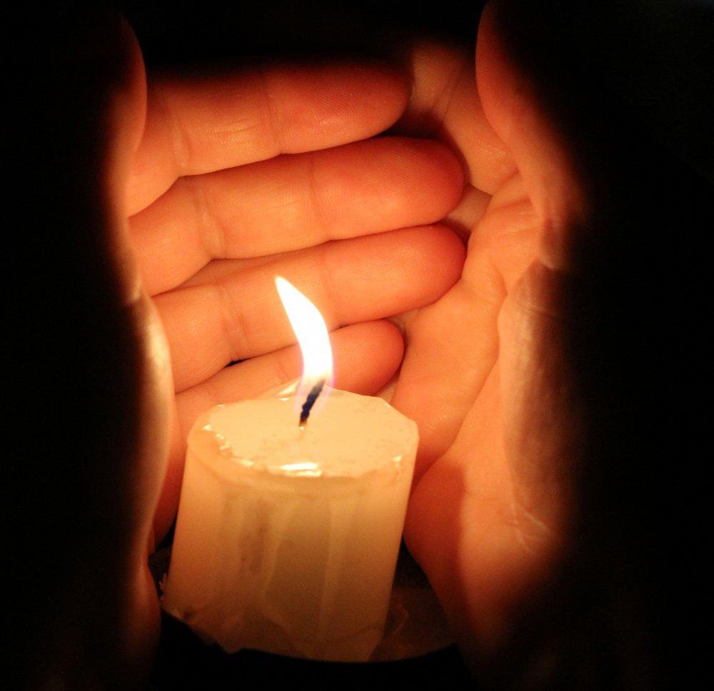 Заговор на деньги на свечу