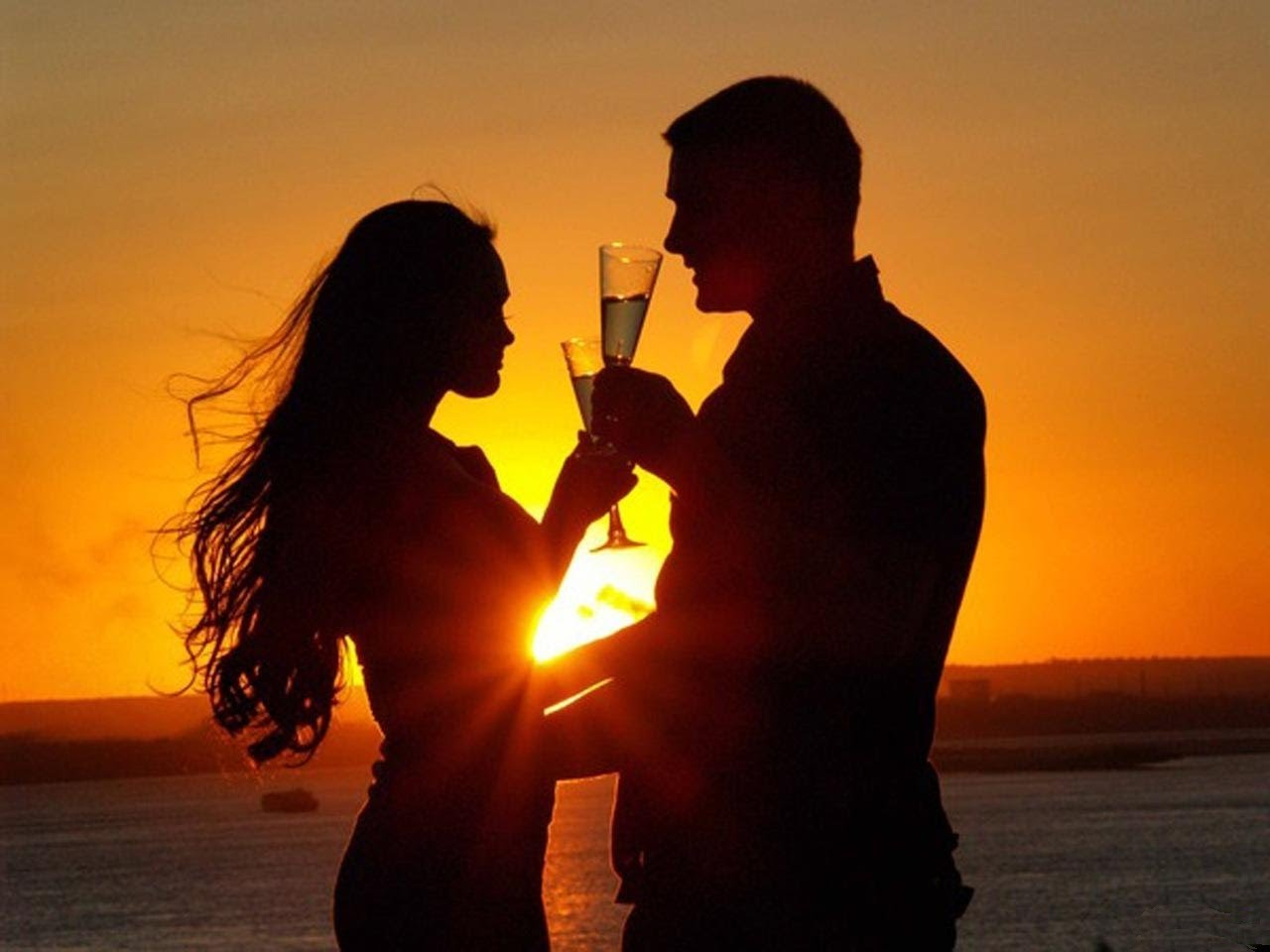 Алкоголь, вероятно, делает браки счастливыми - ученые