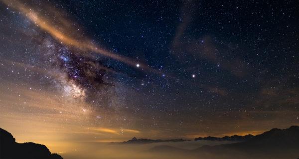 Сатурн в противостоянии с Солнцем 27 июня: как это повлияет на Знаки Зодиака Saturn-night-sky-astronomy-i564603986-600x319