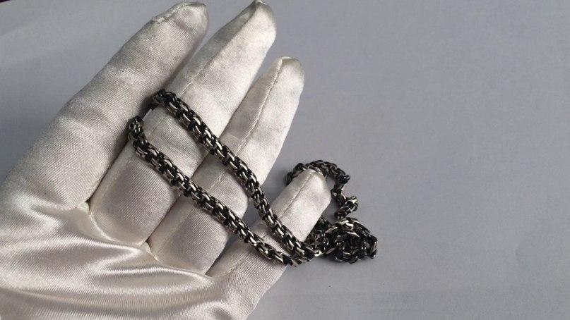 Почему чернеет серебро нателе человека: приметы