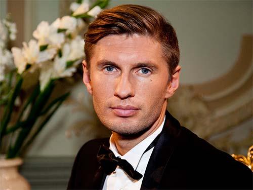 Евгений Левченко не может забыть свою первую любовь?
