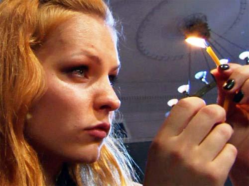 Мерилин Керро: ритуалы со свечой на деньги, удачу и любовь