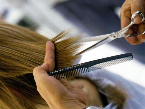 Лунный календарь стрижек волос: благоприятные дни недели