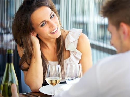Женский гороскоп: на что мужчины обращают внимание на первом свидании