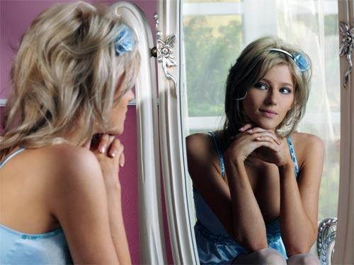 Приметы о зеркалах: какие опасности они таят