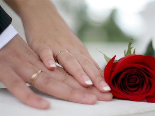 Что подарить на годовщину свадьбы: русские традиции и обычаи