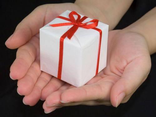 Алексей Похабов: семь опасных подарков, которые нельзя принимать и дарить