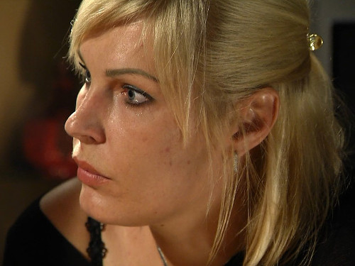 Елена Ясевич: нужно ли менять фамилию после брака