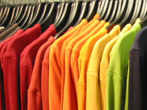 Цвет в одежде по фэн-шуй: какой наряд принесет вам удачу