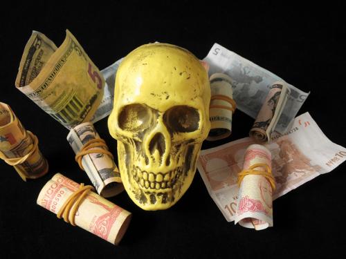 Порча на деньги: как снять