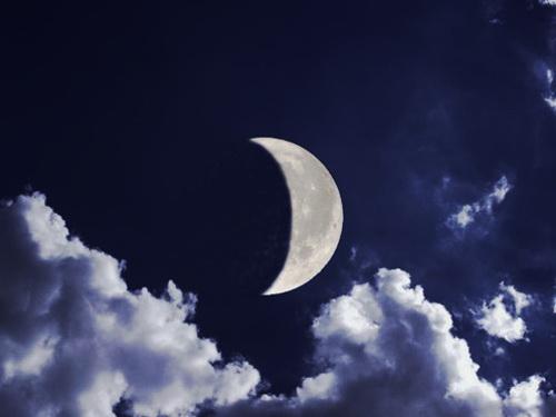 Заговоры на растущую Луну: привлекаем благо