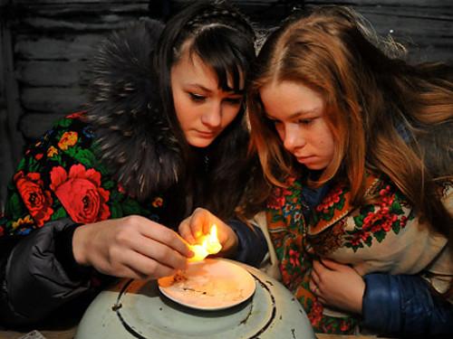 Гадания на святки: на суженого, любовь и будущее