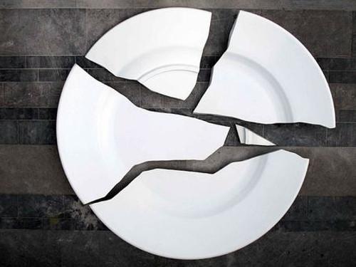 Народные приметы: что будет, если разбить зеркало, посуду, часы