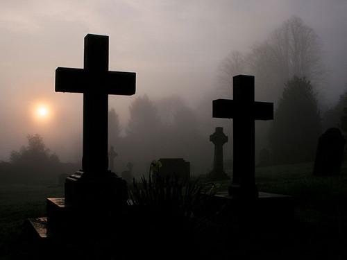 Можно ли ходить на кладбище в Пасху