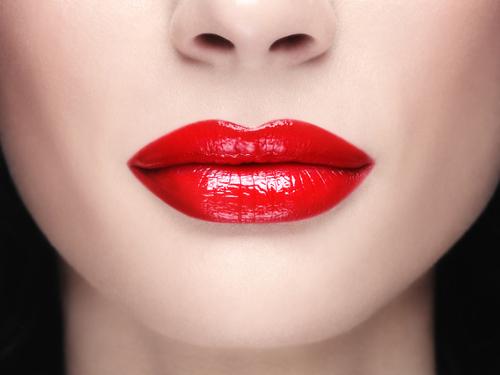 Характер женщины по форме губ: кто вы – скромница или командирша