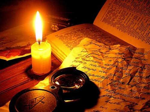 Как привлечь деньги в дом: ритуал со свечой