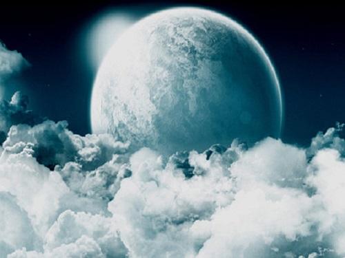 Белая Луна