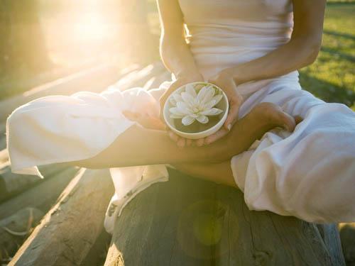 Йога для начинающих: дыхание, энергетика иработа счакрами