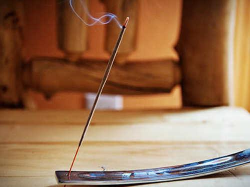 Как выбирать ароматические палочки, привлекая любовь ибогатство