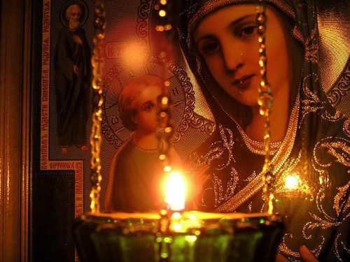 Как правильно ставить свечи Богородице вхраме идома
