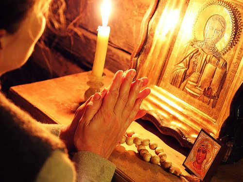 Молитва от головной боли дочери