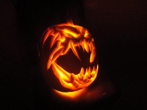 Хеллоуин: выбираем образ, костюм имакияж для праздника
