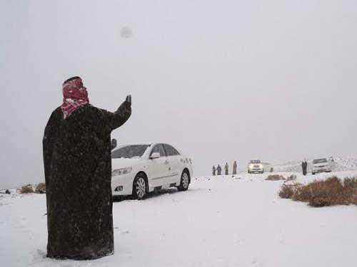 Всахаре выпал снег