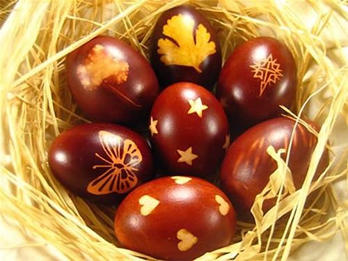 Как покрасить яйца наПасху своими руками