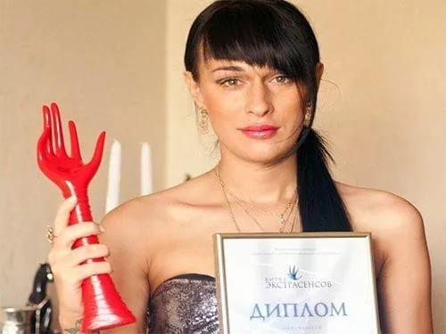 Похороны Илоны Новоселовой недают покоя фанатам ипоклонникам