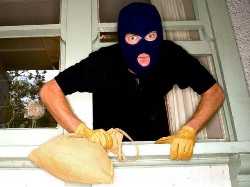 Заговор от воров и краж на имущество и дом дачу