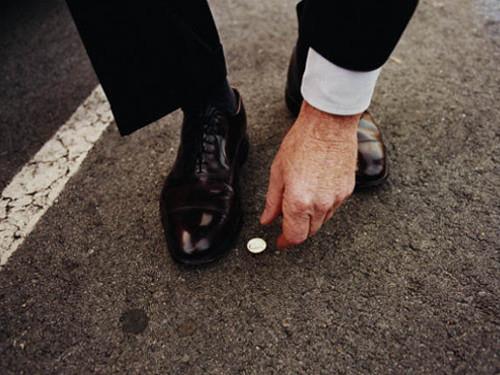 Можноли подбирать деньги наулице: народные приметы
