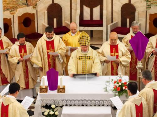 Нужноли православным отмечать католическую Пасху