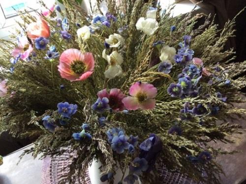 Энергетика летних цветов: какой букет поставить ввазу, чтобы привлечь благополучие