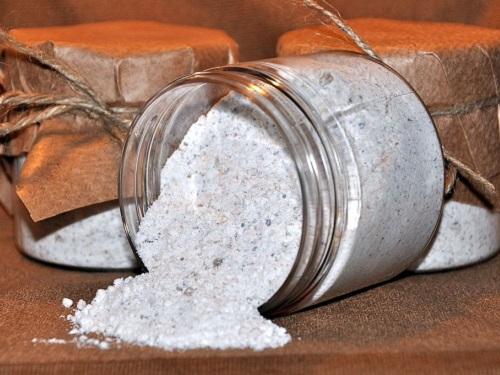 Чистка солью отнегатива: избавляемся отневезения ипроблем