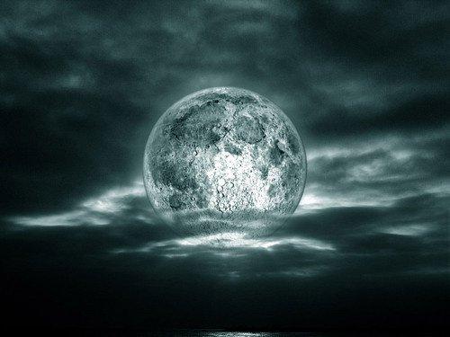 Читаем заговоры на убывающую луну