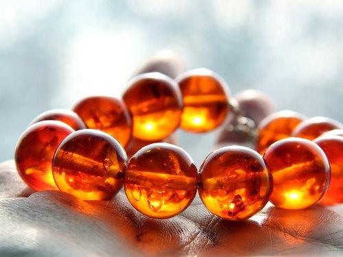 Янтарь: свойства камня икому онподходит поЗнаку Зодиака
