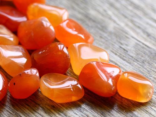 Сердолик: свойства камня икому онподходит поЗнаку Зодиака