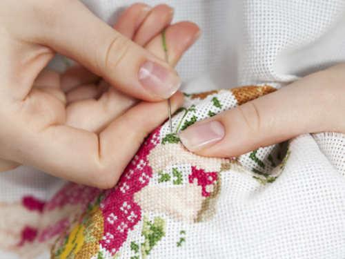 Вышивальные приметы: как привлечь деньги иблагополучие спомощью вышивки