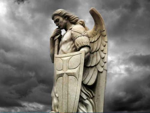 Молитва Архангелу Михаилу: сильнейшая защита иоберег