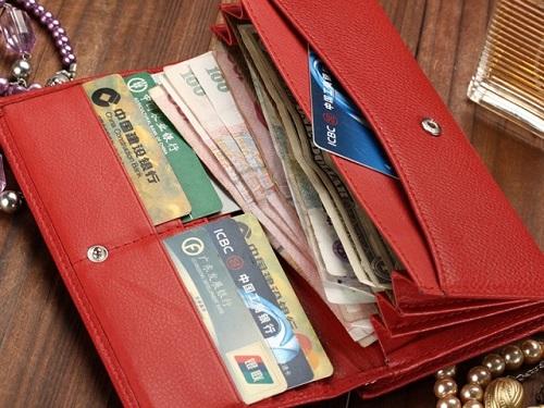 5вещей, которые нельзя носить вкошельке: они отталкивают деньги иудачу
