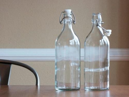Почему нельзя ставить пустую бутылку настол: приметы