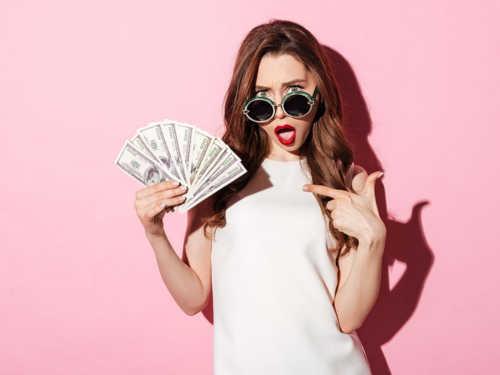 Женские имена, притягивающие деньги иуспех