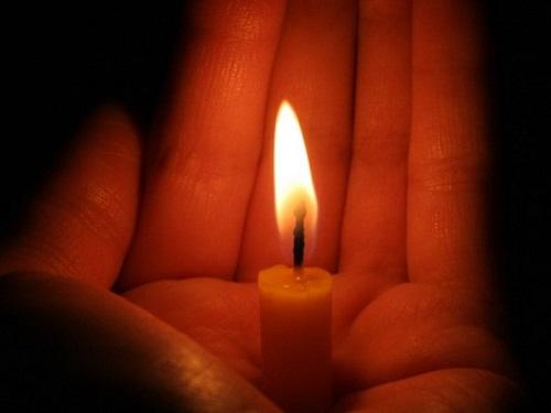 Заговоры нацерковную свечу: привлекаем деньги илюбовь