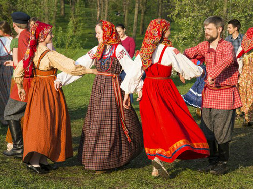Красная горка в2019году: традиции, обычаи иприметы