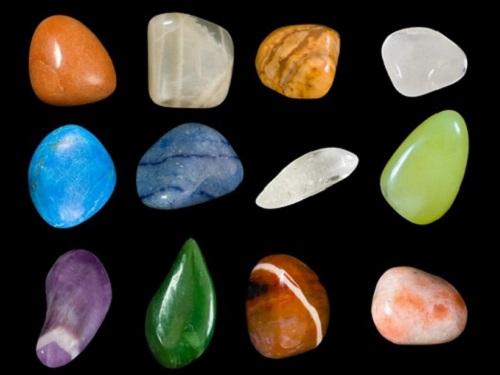 Какие камни подходят женщинам погороскопу