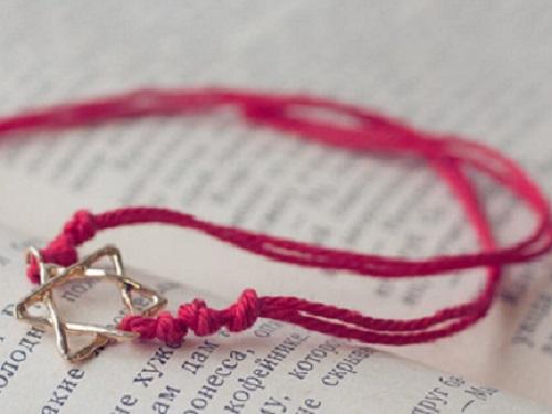 Молитва накрасную нить
