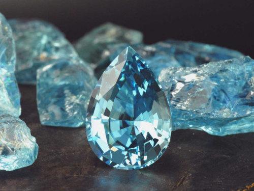 Аквамарин: свойства камня икому онподходит поЗнаку Зодиака