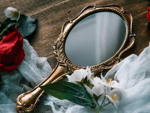 Можноли дарить зеркало: приметы