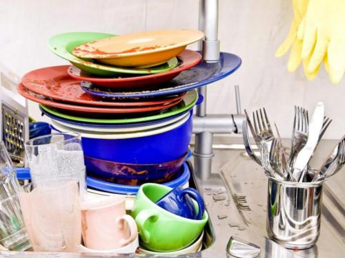 Почему нельзя оставлять грязную посуду наночь