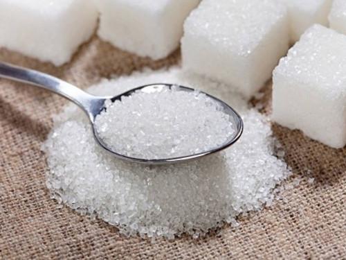 Рассыпать сахар: что означает примета